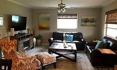 Living Room, 701 SE 7th Ave, 1