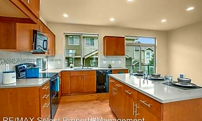 Kitchen, 303 Chelan Ave NE, 1
