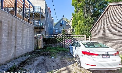 1057 N Hermitage Ave, #2R, 2