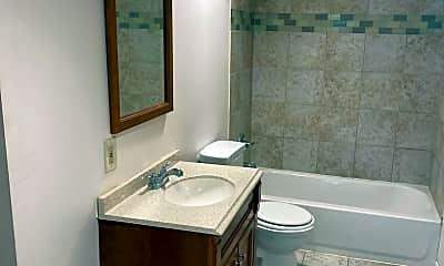 Bathroom, 1400 Valley Dr, 1