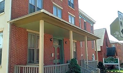 West Quaker Hill Apartments, 0