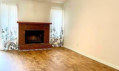 Living Room, 175 Brenda Dr, 1