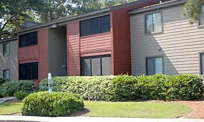 Building, Three Oaks Apartments, 0