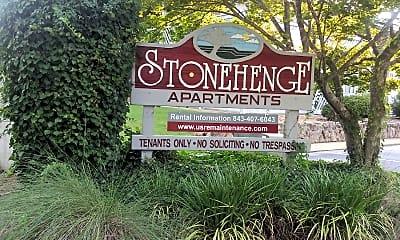 Stonehenge Apartments, 1