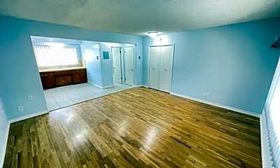 Living Room, 1100 N Monterey St, 1