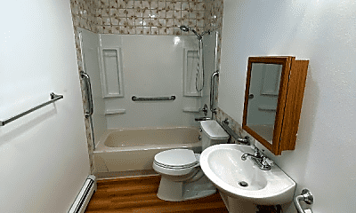 Bathroom, 120 N Hoyt St, 2