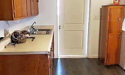 Kitchen, 38046 S Rd, 1