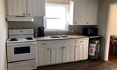 Kitchen, 332 Kenwood Ave, 1