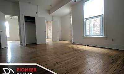 Living Room, 2600 N Racine Ave, 0