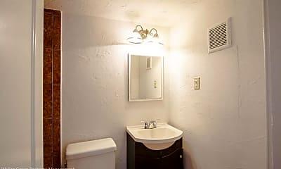 Bathroom, 1505 W Lovers Ln, 2