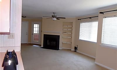 Living Room, 542 Pheasant Run, 2