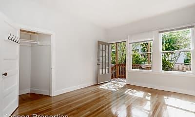 Living Room, 2247 Derby St, 0