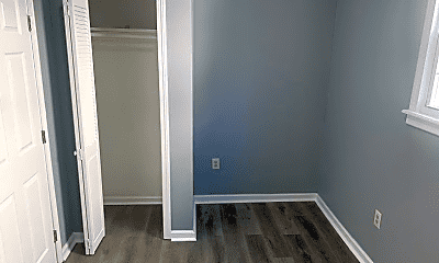 Bedroom, 244 Leslie St, 2