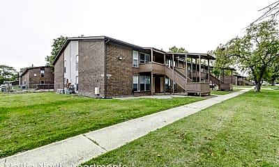 Building, 2000 N Mattis Ave, 1
