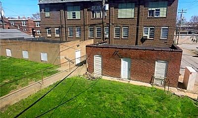 Building, 4915 Lindenwood Ave, 2
