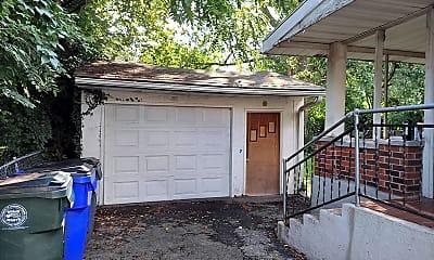 Patio / Deck, 456 Locust Ave, 2