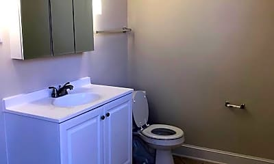 Bathroom, 208 Exchange Pl, 2