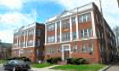 Building, 2836 E 130th St, 2