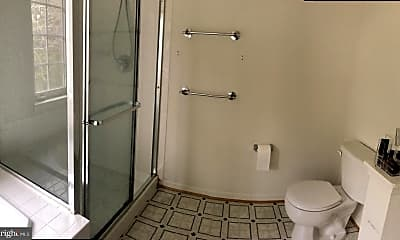 Bathroom, 11701 Fort Lee Dr, 2