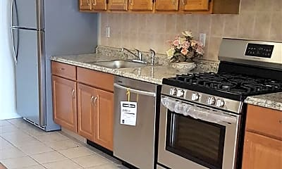 Kitchen, 624 Bramhall Ave 1, 1
