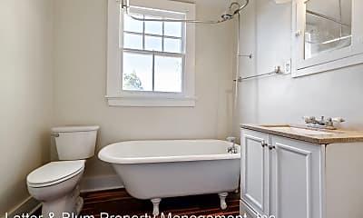 Bathroom, 834 N Hennessey St, 2