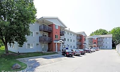 Building, 530 E Kenyon Ave, 1