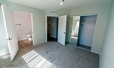 Living Room, 10755 Kling St, 2
