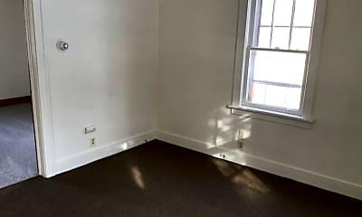 Building, 529 E Lawndale Ave, 1