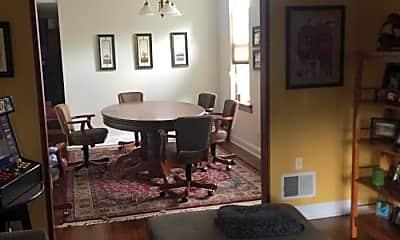 Living Room, 3809 N Kenmore Ave, 0