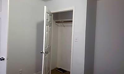 Bedroom, 2007 E Stuart St, 2
