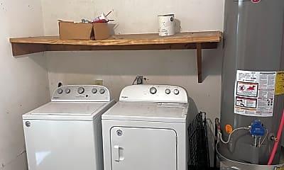 Bathroom, 1521 Wilhurst St, 2