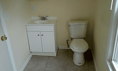Bathroom, 85 Evergreen Ave, 1