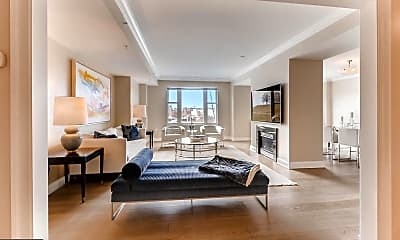 Living Room, 801 Key Hwy T-15, 1