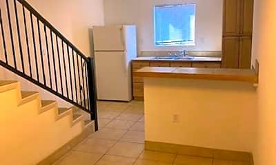 Kitchen, 717 Camino Porvenir, 1