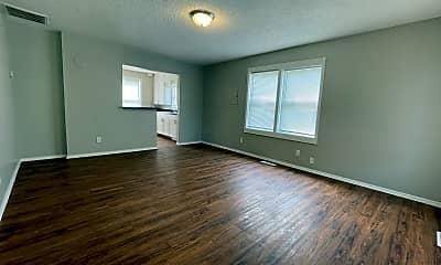 Living Room, 2628 W Mt Vernon St, 1