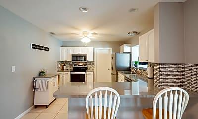 Kitchen, 126 E Pasco Ln, 1