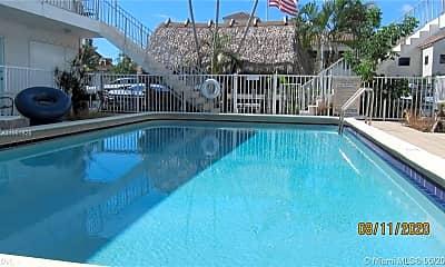 Pool, 1534 SE 15th St, 0