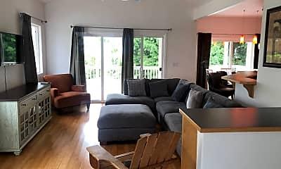 Living Room, 25-80 Pukana la St, 1