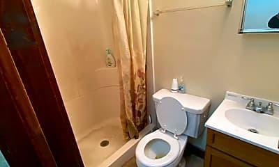 Bathroom, 2212 S Calhoun St, 2