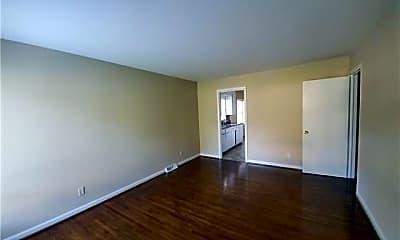 Living Room, 1808 Darbrook Dr, 1