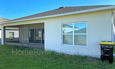 Building, 653 Campo Ln, 1
