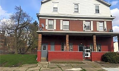 Building, 167 Chittenden St 7, 1