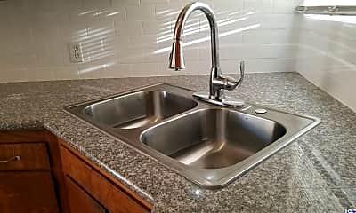 Kitchen, 3920 La Crescenta Ave F, 0