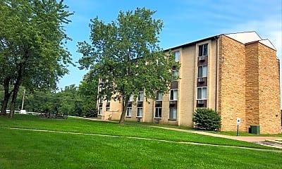 The Quadrangle Apartments, 0