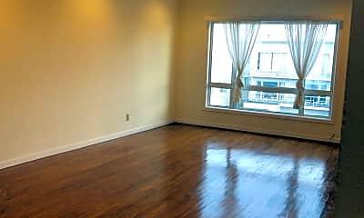 Living Room, 2122 Judah St, 1