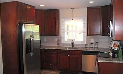 Kitchen, 5 Pond Ln, 1