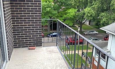 Patio / Deck, 401 S Grove Ave, 2