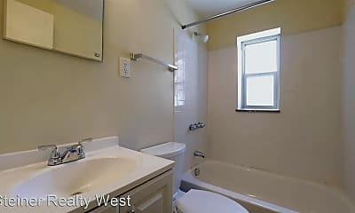 Bathroom, 25 Lincoln Ave, 2