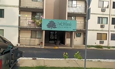 Oak Woods Apartments, 1