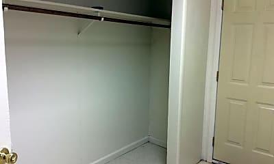 Bathroom, 327 N Newberry St, 2